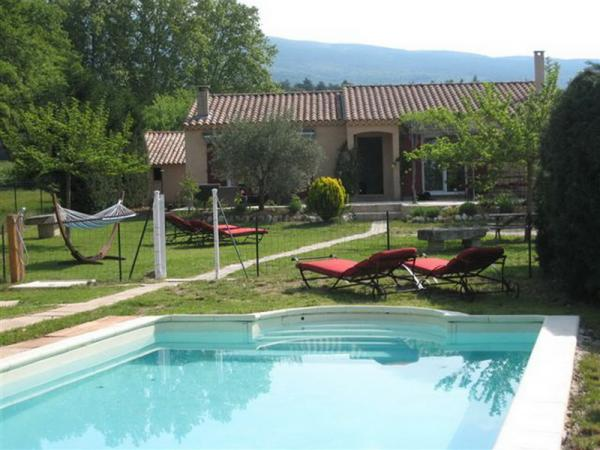Villa T4 with house T2 annex at the foot of Mont Ventoux