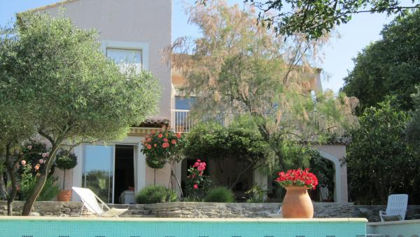 Villa having 2 independent apartments, guest studio and pool.