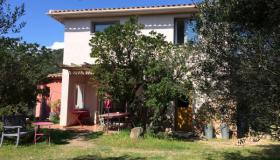 Attractive 170 m2 villa with self-contained apartment on grounds of 1315 m2