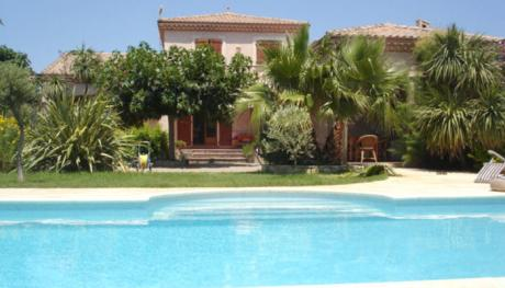 Villa in Agde with pool and 1200 m2 garden