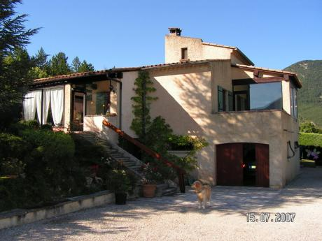 Provence villa at the foot of the Mont Ventoux