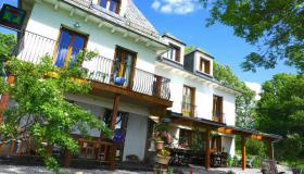 Very successful bed and breakfast in Cantal in Central France in a beautiful nature reserve.
