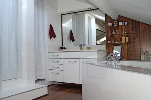 À vendre -Appartement Terrasse Tropézienne style Maison Provençale
