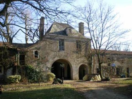Vendre belle demeure napol onienne dans son park priv for Achat belle demeure
