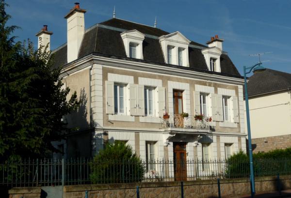 Vendre belle maison bourgeoise de caract re 200m2 sur for Maison bourgeoise