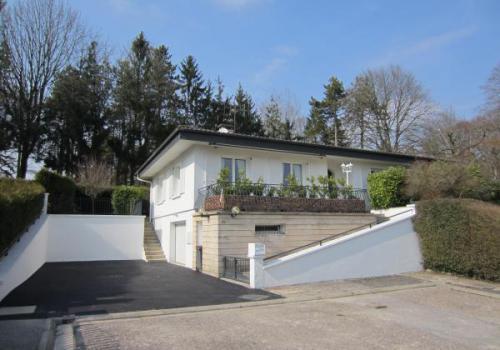 Vendre maison de plain pied sur terrain arbor de 1500 m2 for Maison sur terrain rectangulaire
