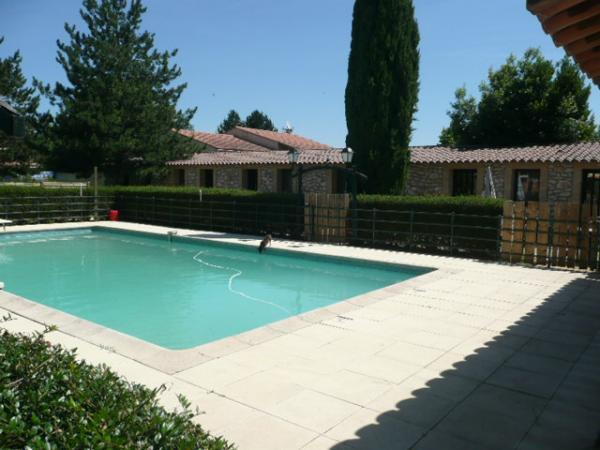 Vendre maison en pierres avec piscine possibilit chambres d 39 h tes - Chambre d hote avec piscine ...