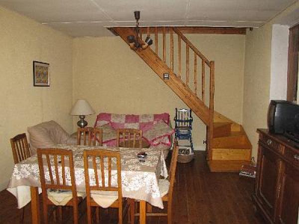 vendre maison ind pendante sur 1300 m2 de terrain clos. Black Bedroom Furniture Sets. Home Design Ideas