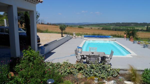 vendre belle grande villa a vendre avec piscine et pompe chaleur dans le gard. Black Bedroom Furniture Sets. Home Design Ideas