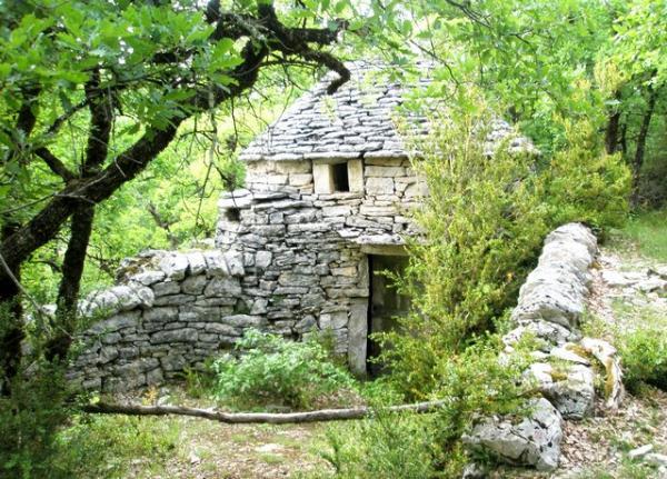 immogo.com/fr/nyroUtils/uploadedFiles/uploads,photo,terrain_de_loisirs_avec_cazelle_exceptionnelle-2-pt.jpg