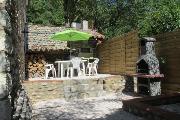 Vendre villa avec deux logements et piscine proche des for Camping proche des gorges du verdon avec piscine