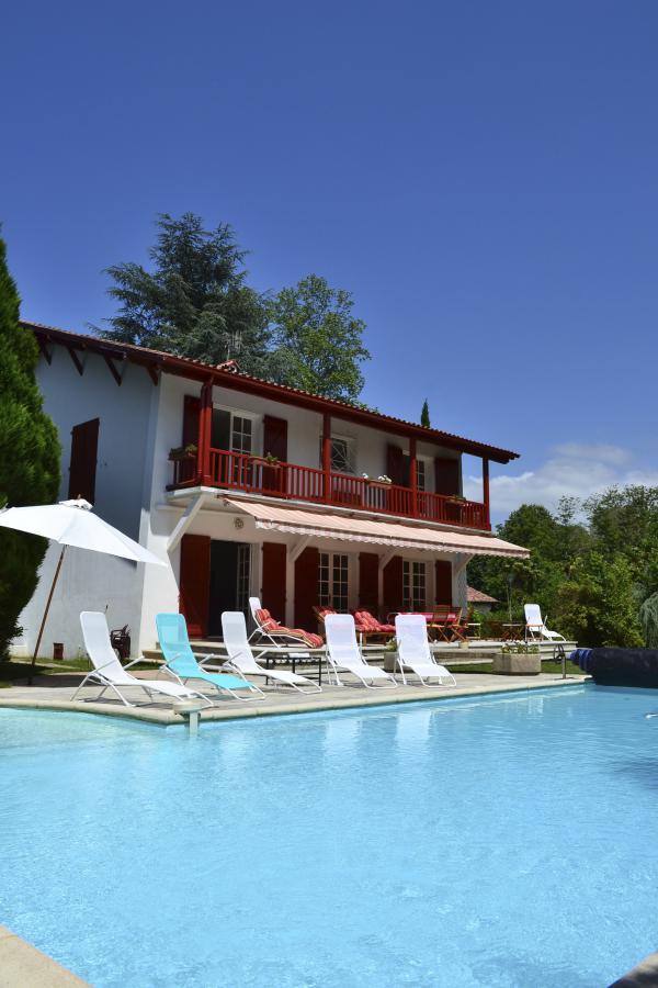 Te koop te koop van eigenaar baskische villa met zwembad for Te koop inbouw zwembad