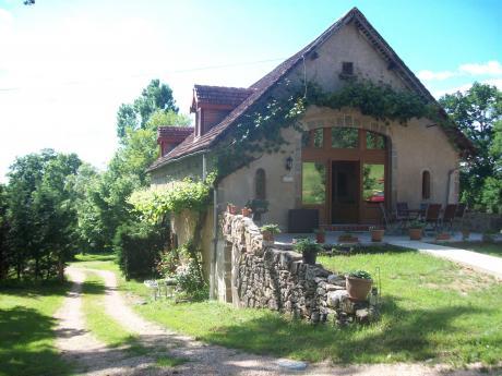 Te koop buitengewoon stenen huis met atelier studio en for Eigen huis en tuin huis te koop