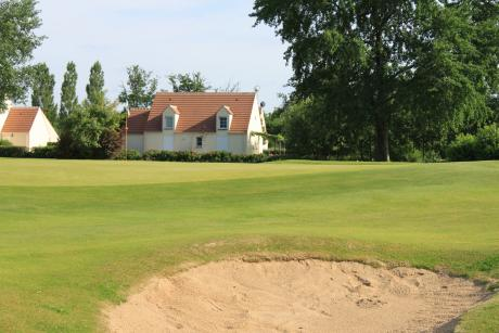 Bungalow op golfbaan Orleans-Donnery