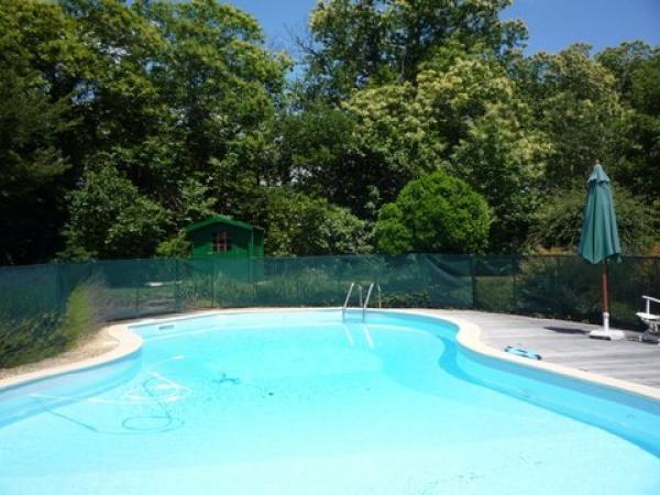 Te koop charmante boerderij met gastenvertrekken en groot natuurlijk zwembad op 1 5 hectare - Natuurlijk zwembad ...