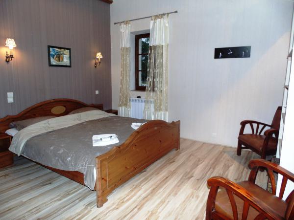 Te koop karakteristiek chambres d hotes complex te koop in dordogne op ruim 3 hectare - Chambre d hotes en dordogne ...