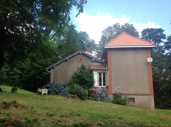 Te koop volledig zelfvoorzienend huis in paradijselijke for Zelfvoorzienend huis te koop