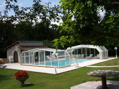 Te koop luxe villa in de dordogne met zwembad for Luxe villa met zwembad