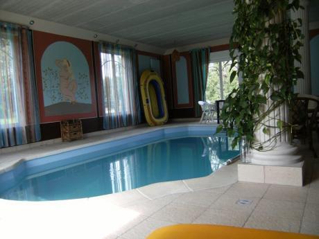 Te koop woning met binnenzwembad en een groot terrein for Piscine sarralbe
