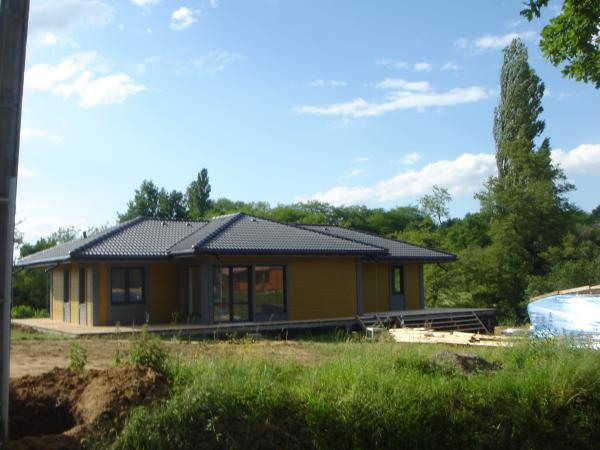 Te koop nieuw landhuis te koop in betous in de gers for Landhuis te koop