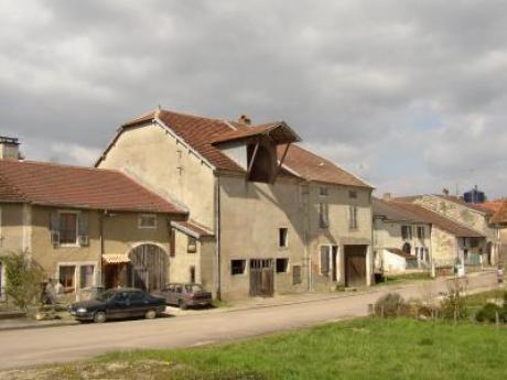 Te koop oude boerderij in het dorpje voisey for Te koop oude boerderij
