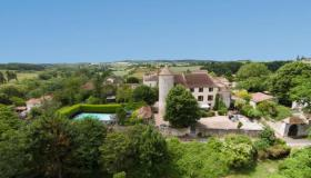 Chateau in the Dordogne, close to Bergerac, 3.5 Ha, Pool, apartment for the care taker